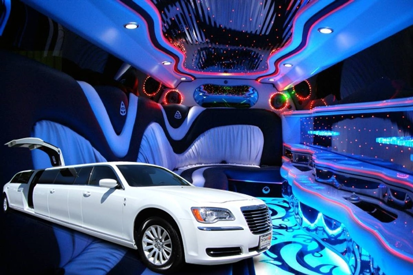 White Chrysler 300 Stretch Limo